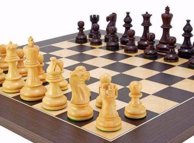 """Schachensemble """"Atlantic II"""" Schachbrett aus Wenge & Spielfiguren aus Rosenholz"""