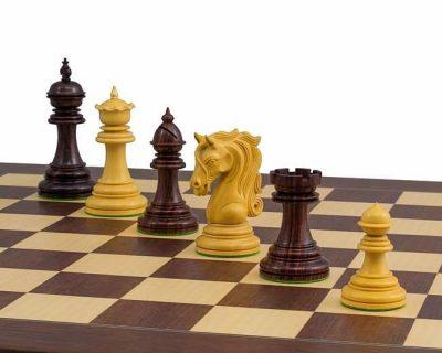 Hölzerne Schachfiguren