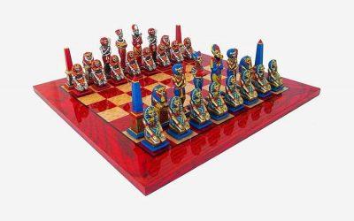 """Schachensemble """"Ägypten"""" Schachbrett aus Ahornholz Rot & Schachfiguren aus Metall Handbemalt"""