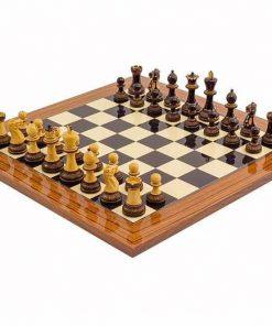 """Schachensemble """"Burnt"""" Schachbrett aus Anegre- und Rosenholz & Schachfiguren aus Buchsbaumholz"""