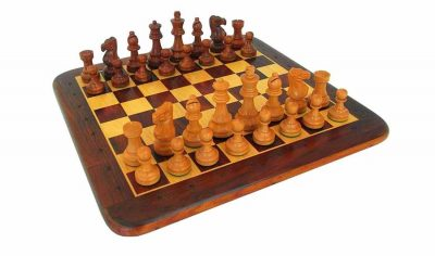 "Schachensemble ""Classic IV"" Schachbrett aus goldenem Rosenholz und Ahorn & Schachfiguren aus goldenem Rosenholz Massiv"