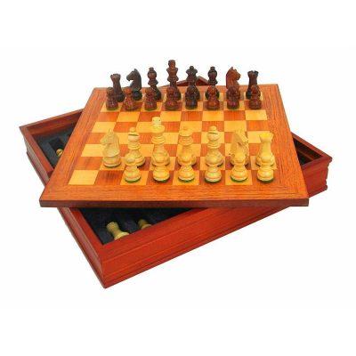 """Schachensemble """"Classic VI"""" Schachbrett aus Nussbaum und Ahorn mit Aufbewahrungsfach und Schachfiguren aus goldenem Rosenholz"""