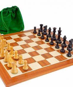 """Schachensemble """"Eroberung"""" Schachbrett aus Ahorn und Mahagoni"""