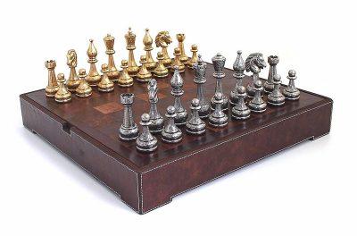"""Schachensemble """"Flowered"""" Schachbrett aus echtem Leder und Schachfiguren aus Metall Massiv Gold-/Silberbeschichtung"""