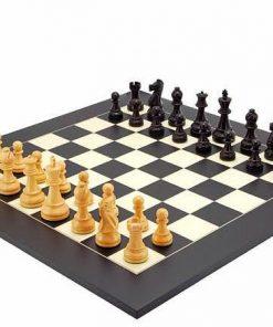 """Schachensemble """"Frankfurt"""" Schachbrett aus Ahornholz und Schachfiguren aus Buchsbaumholz"""