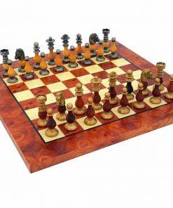 """Schachensemble """"Französischer Stil III"""" Schachbrett aus Ulmen- und Bruyèreholz & Schachfiguren aus Holz und Messing"""