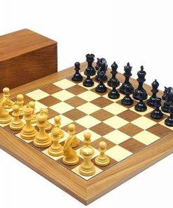 """Schachensemble """"Garvi"""" Schachbrett aus Ahorn- und Nussbaumholz"""