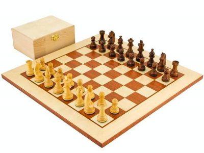 """Schachensemble """"Herausforderer"""" Schachbrett aus Ahorn- und Mahagoniholz & Spielfiguren aus Rosenholz und Buchsbaum"""