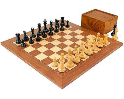 """Schachensemble """"Herrscher III"""" Schachbrett aus Nussbaum- und Ahornholz & Schachfiguren aus Ebenholz"""