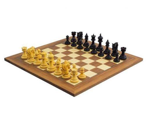 """Schachensemble """"Königstor II"""" Schachbrett aus Ahorn- und Nussbaumholz & Schachfiguren aus Ebenholz"""