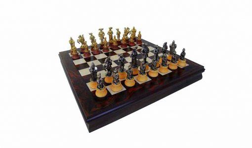 """Schachensemble """"Landsknechte"""" Schachbrett aus Nussbaum- und Ahornholz & Schachfiguren aus Metall und Holz Massiv"""