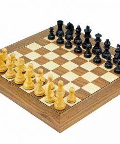 """Schachensemble """"Luxus II"""" Schachbrett aus Nussbaumholz & Schachfiguren aus ebonisiertem Buchsbaumholz"""