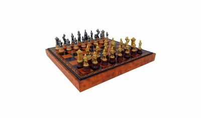"Schachensemble ""Maria Stuart II"" Schachbrett aus Kunstleder & Schachfiguren aus Holz und Metall Massiv"