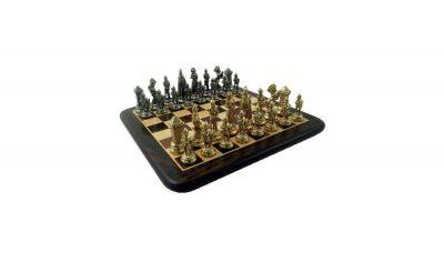"""Schachensemble """"Maria Stuart"""" Schachbrett aus Rosen- und Ahornholz & Schachfiguren aus Metall Massiv"""