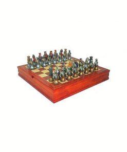 """Schachensemble """"Mittelalterliche Büste"""" Schachbrett aus Ahorn- und Nussbaumholz & Schachfiguren aus Kunstharz Handbemalt"""