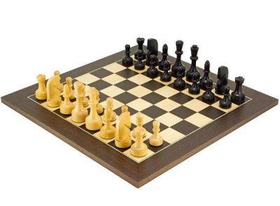 """Schachensemble """"Modern"""" Schachbrett aus Ahorn- und Wengeholz & Spielfiguren aus ebonisiertem Buchsbaumholz"""