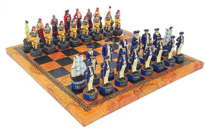 """Schachensemble """"Piraten"""" Schachbrett aus Kunstleder und Schachfiguren aus Kunstharz"""